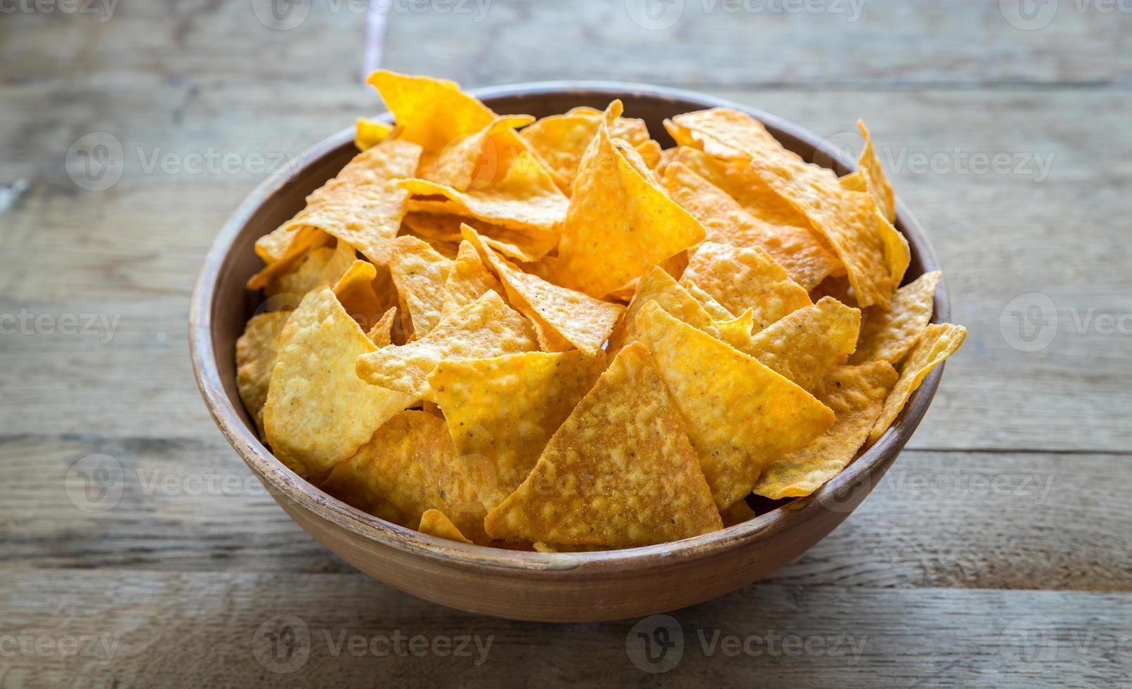 nachos de queso en el tazón foto