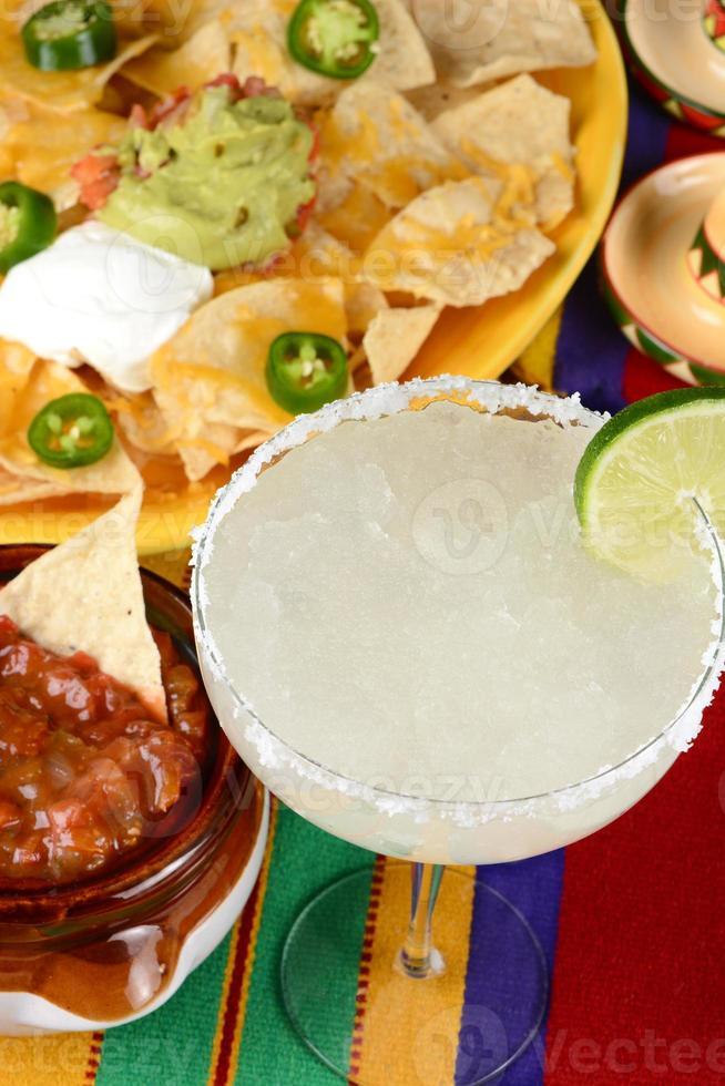 margarita y nachos foto