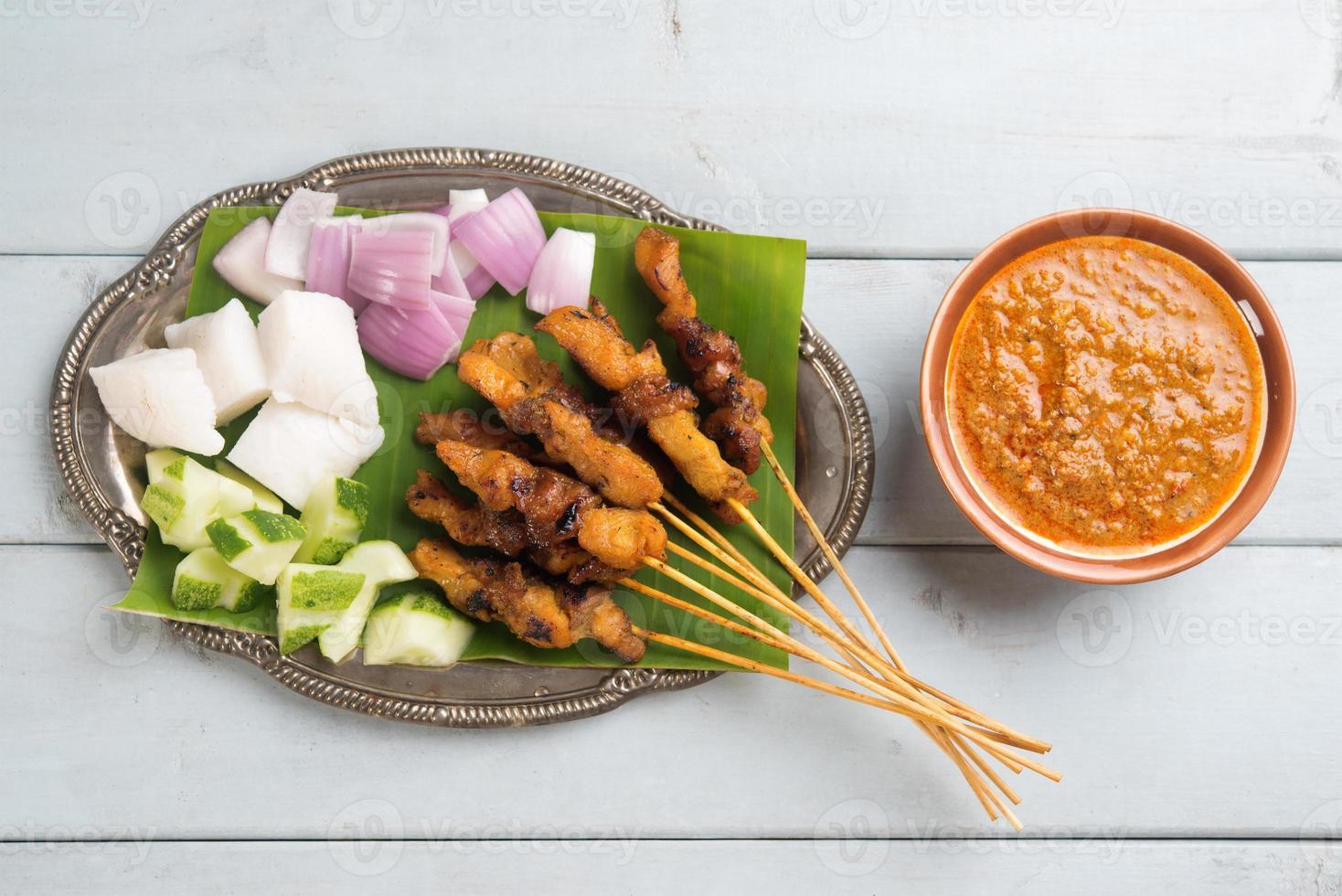 satay de pollo malayo foto