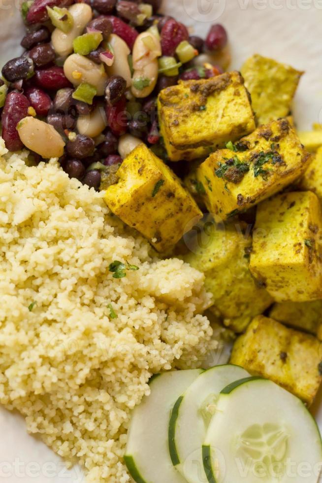 tofu de curry indio foto