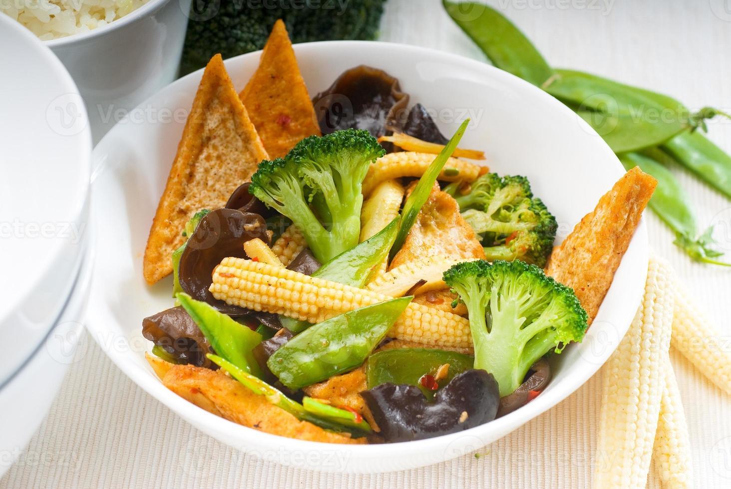 queso de soja tofu y verduras foto