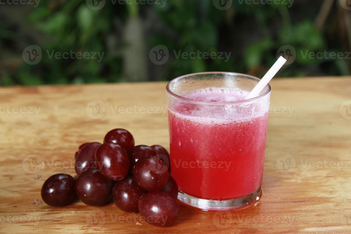 jugo rojo con cutie foto