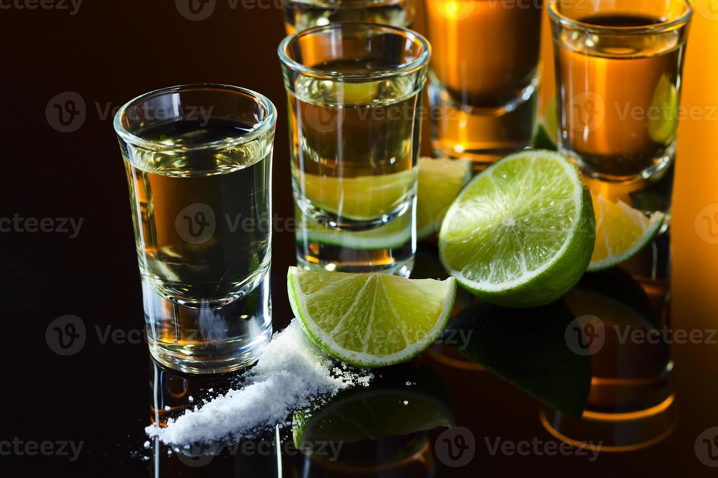 tequila y lima foto