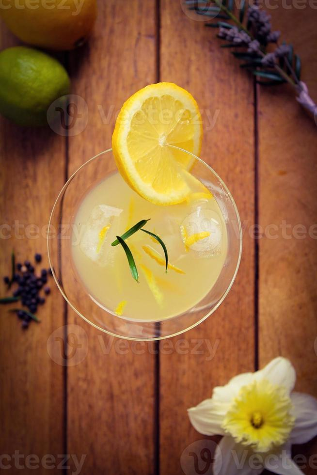 Lemony citrus drink photo