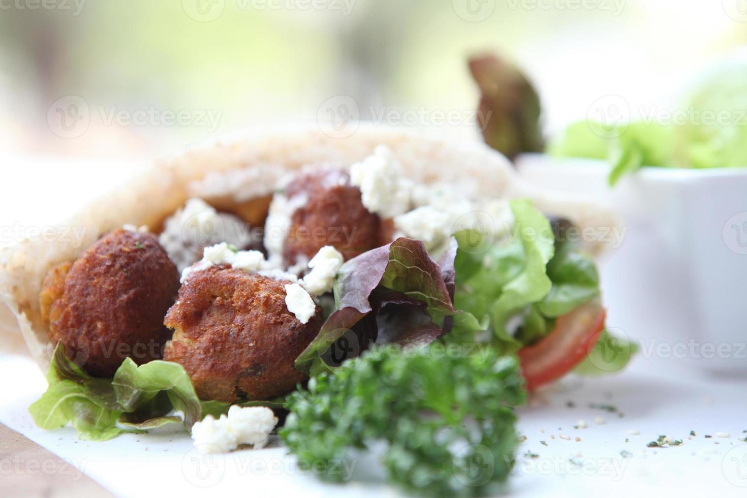 falafel en una pita foto