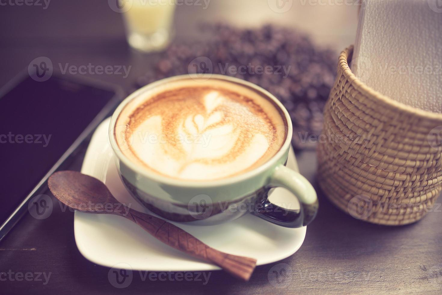 café con leche arte con grano de café color vintage foto