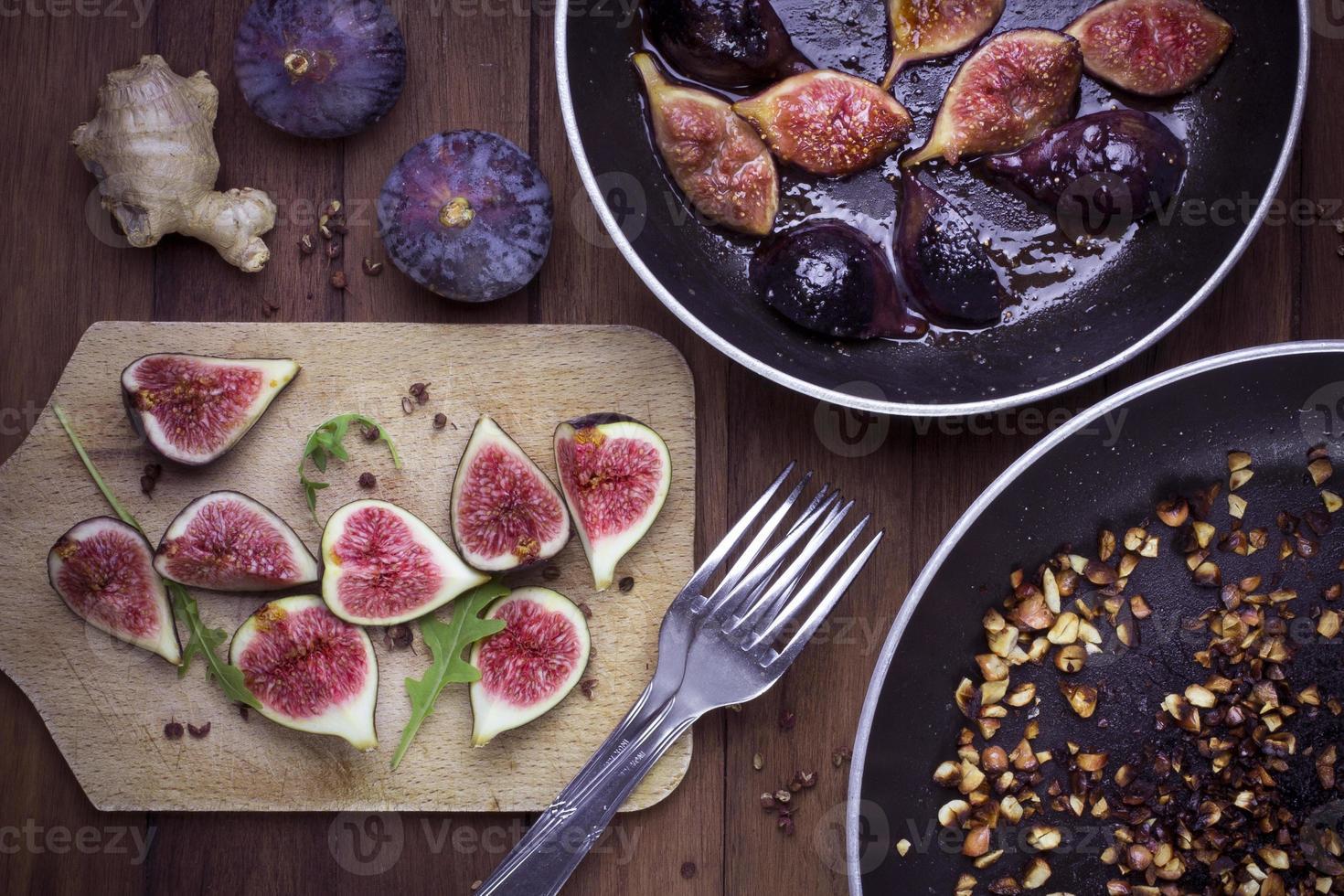 Figues fraîches ou rôties, douceurs d'automne photo