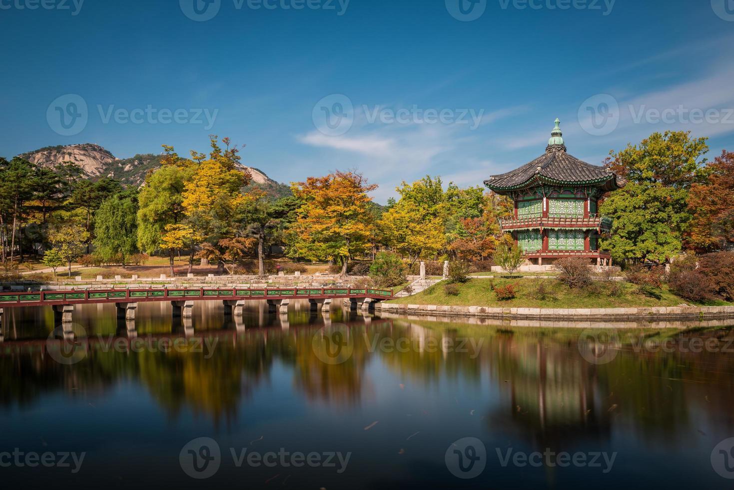 pabellón hyangwonjeong foto
