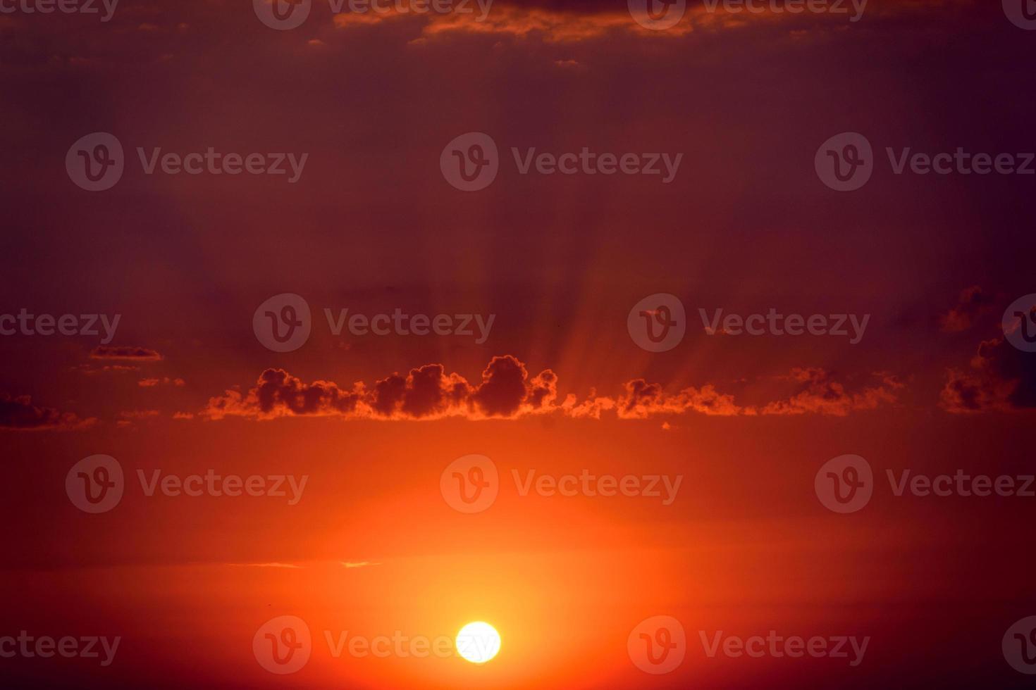 puesta de sol paisaje fantástico foto