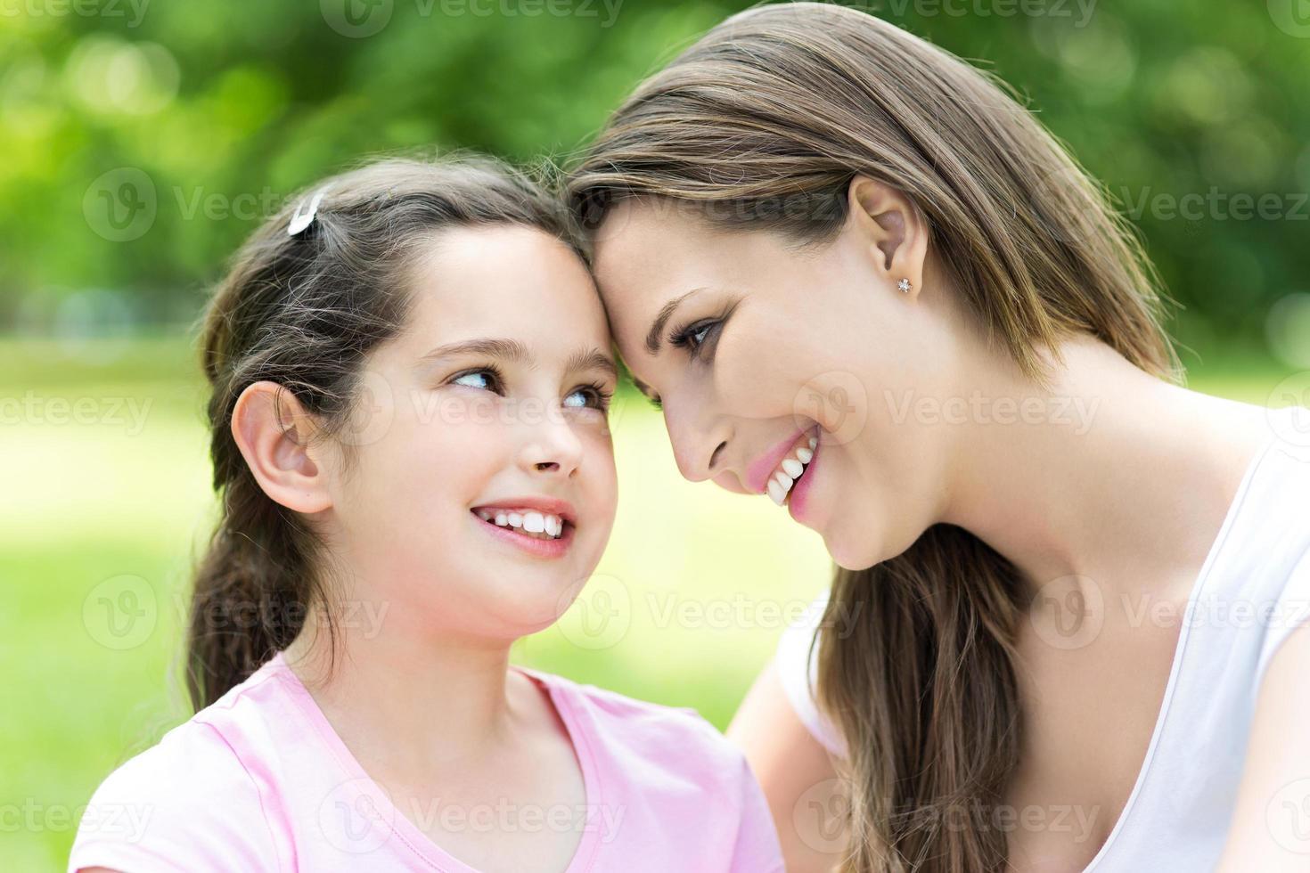 madre e hija foto