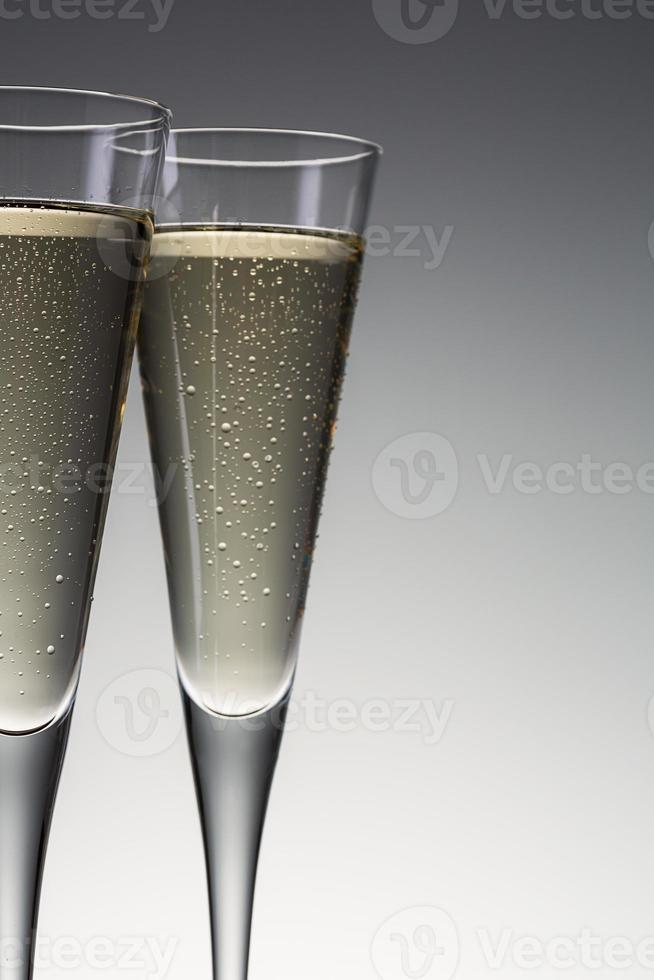 copas de champán con gotas de condensación foto