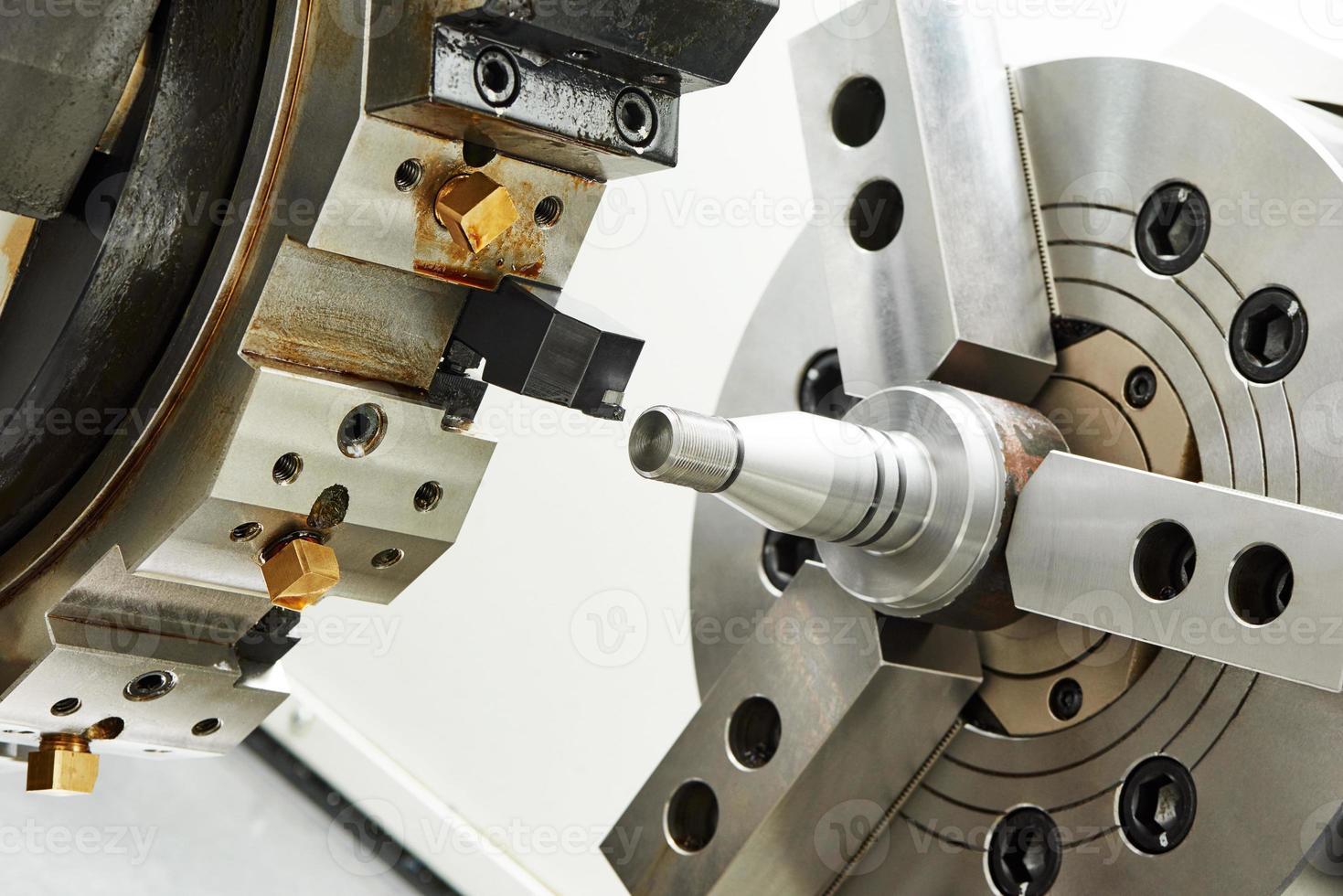 metalworking turning process photo