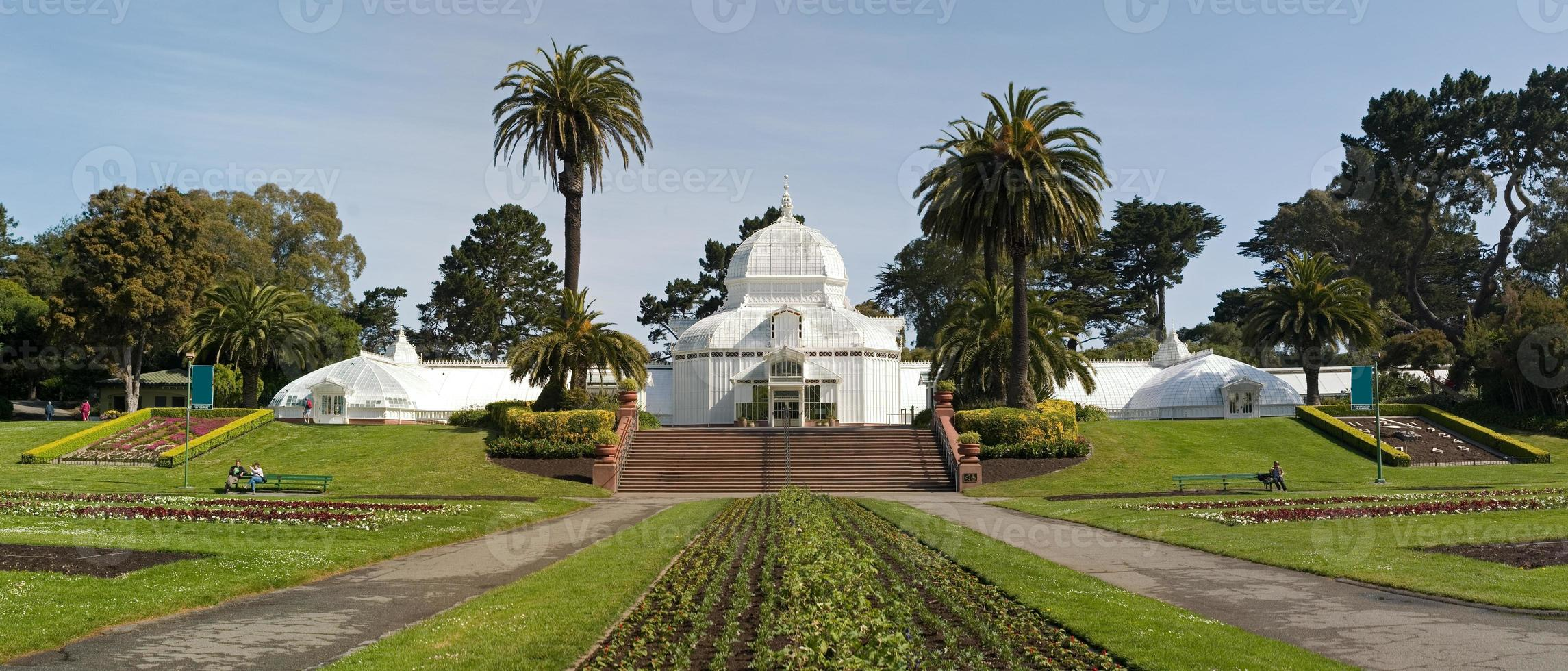 Full view Conservatory of flowers photo