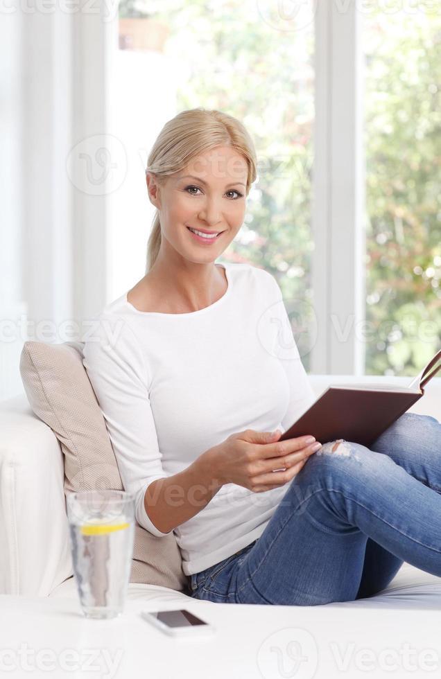 Reading woman portrait photo