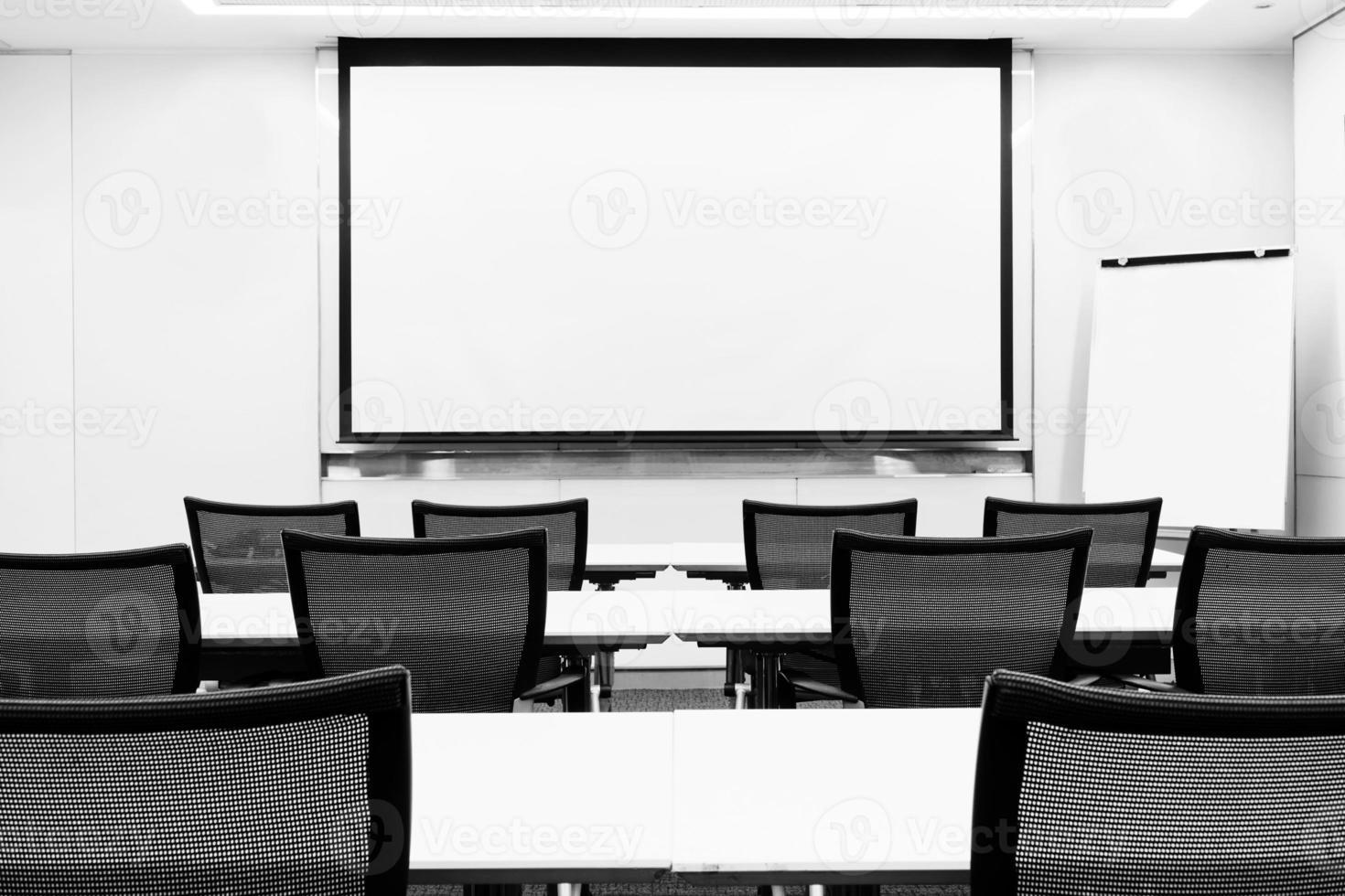 sala de presentación de seminarios de reuniones de negocios modernos foto
