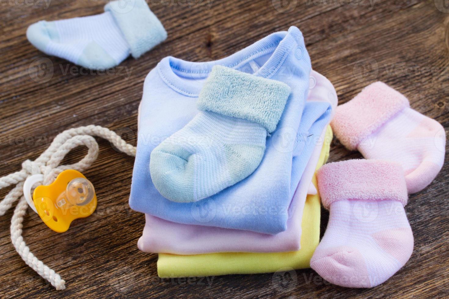 ropa de bebé foto