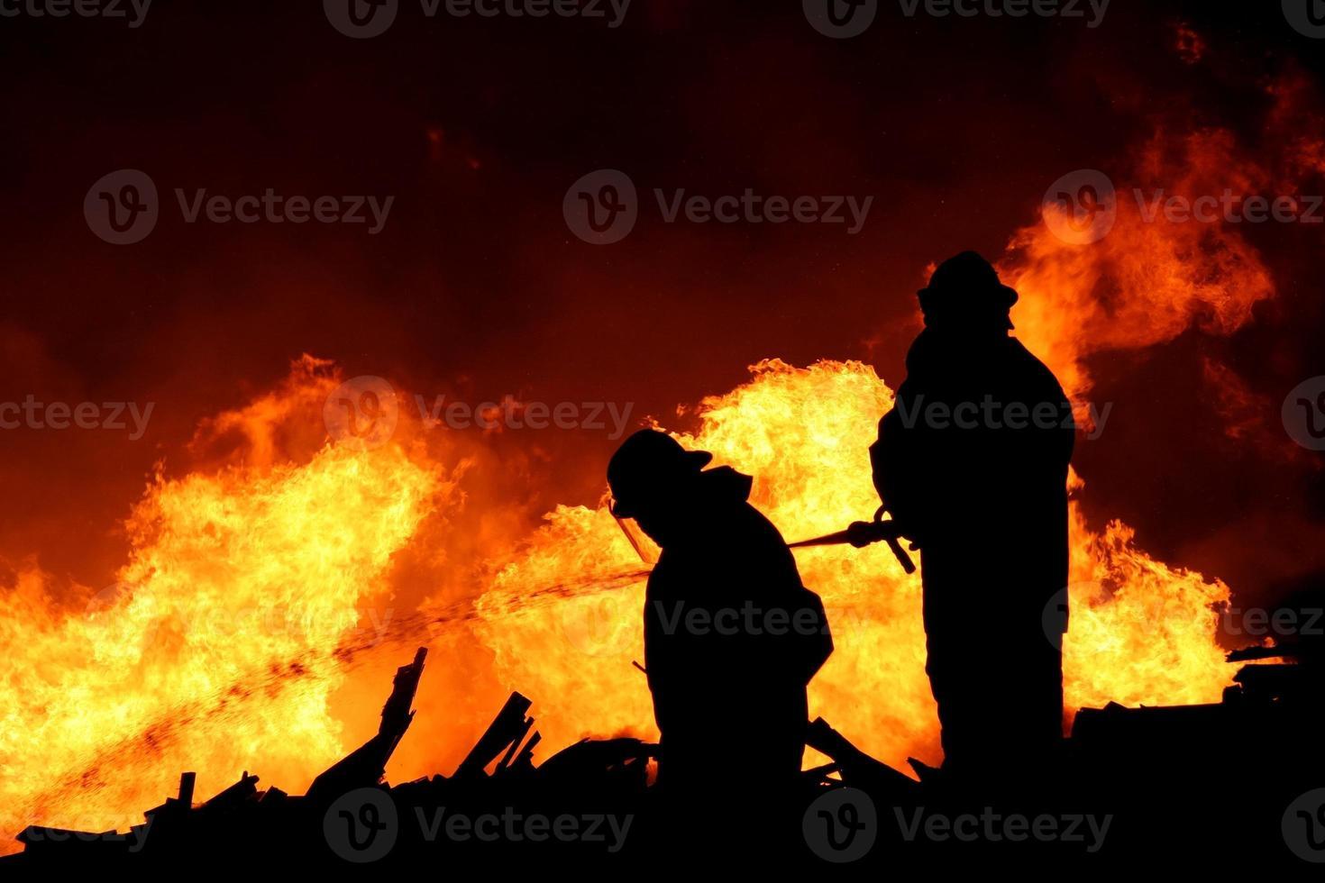silueta de bomberos foto