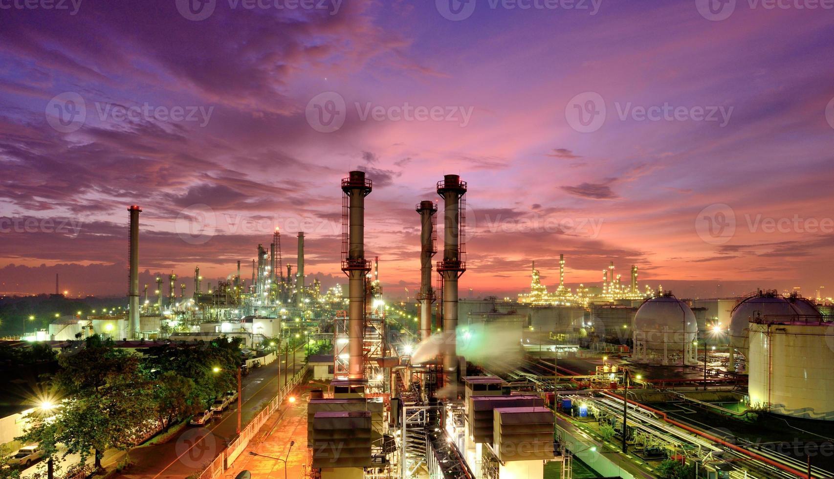 refinería de petróleo foto