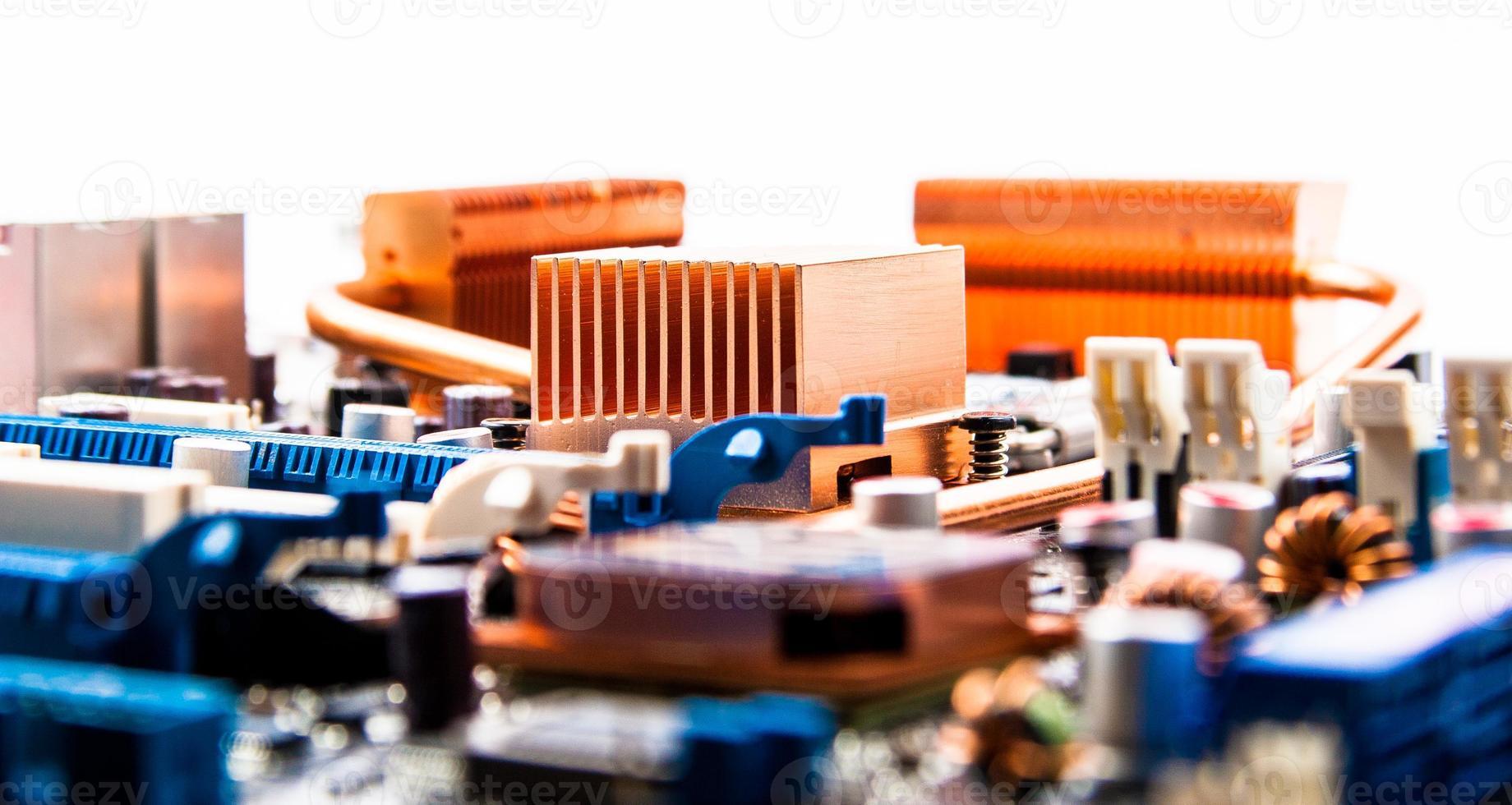 placa de circuito con radiadores de cobre foto