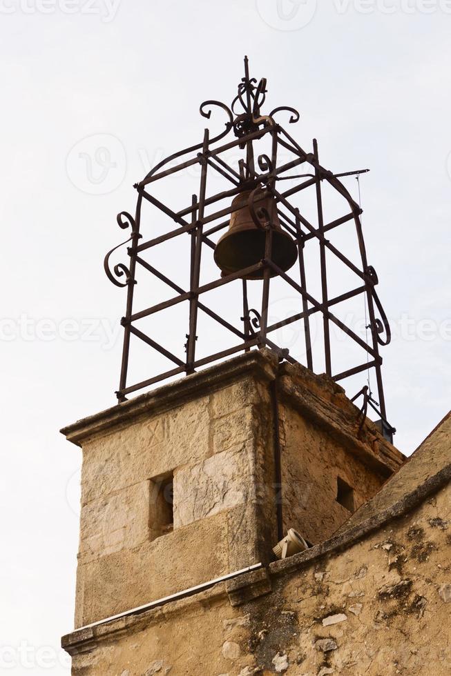 campanario de la iglesia gigondas foto