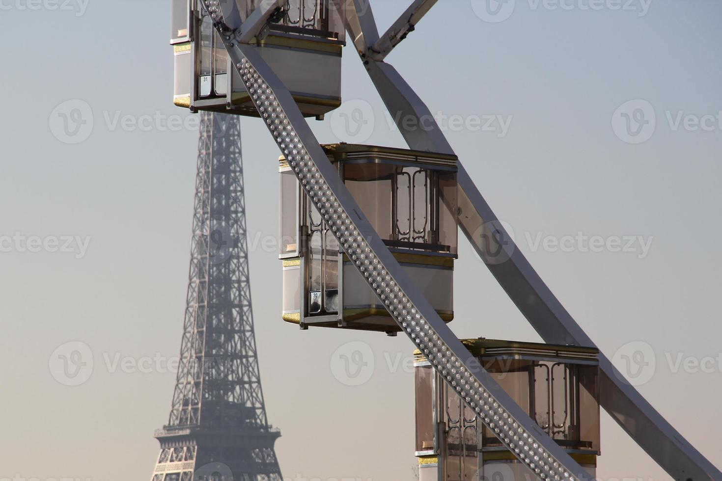 perspectiva parisina al atardecer foto
