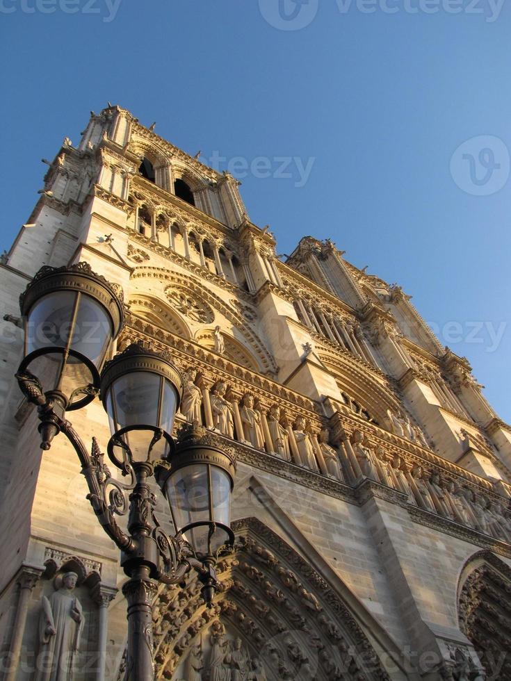 paris cathedral photo