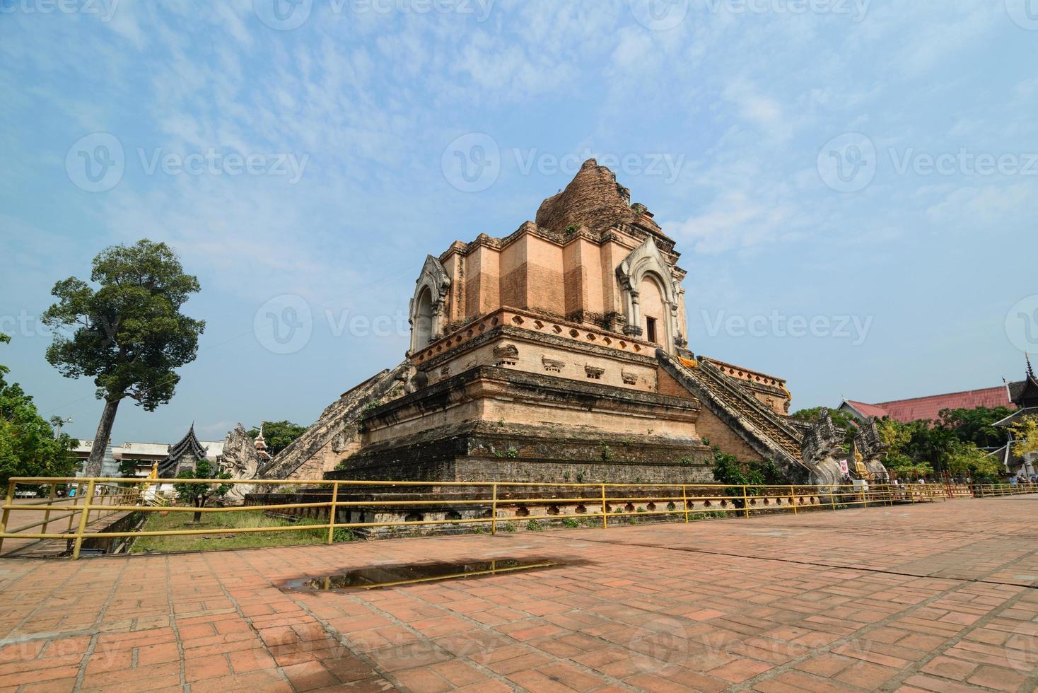 Wat Chedi Luang photo