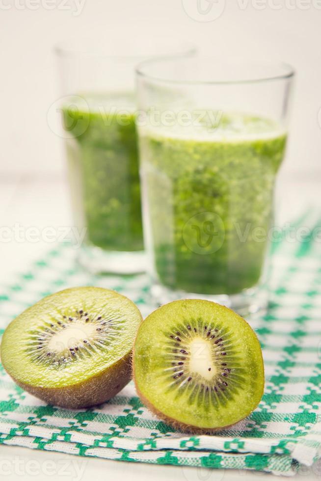 smoothie with kiwi photo