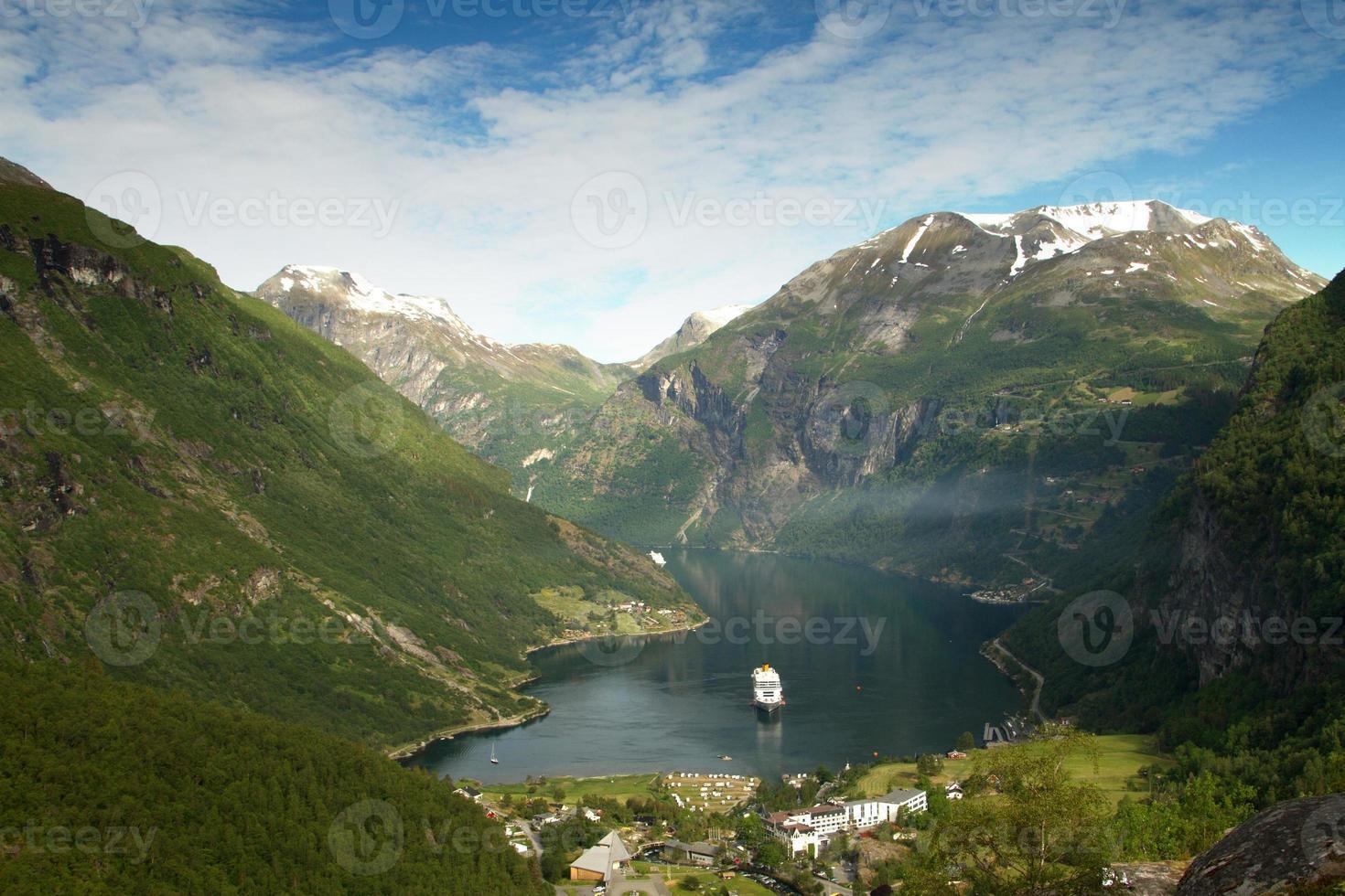 fiordos noruegos del norte. foto