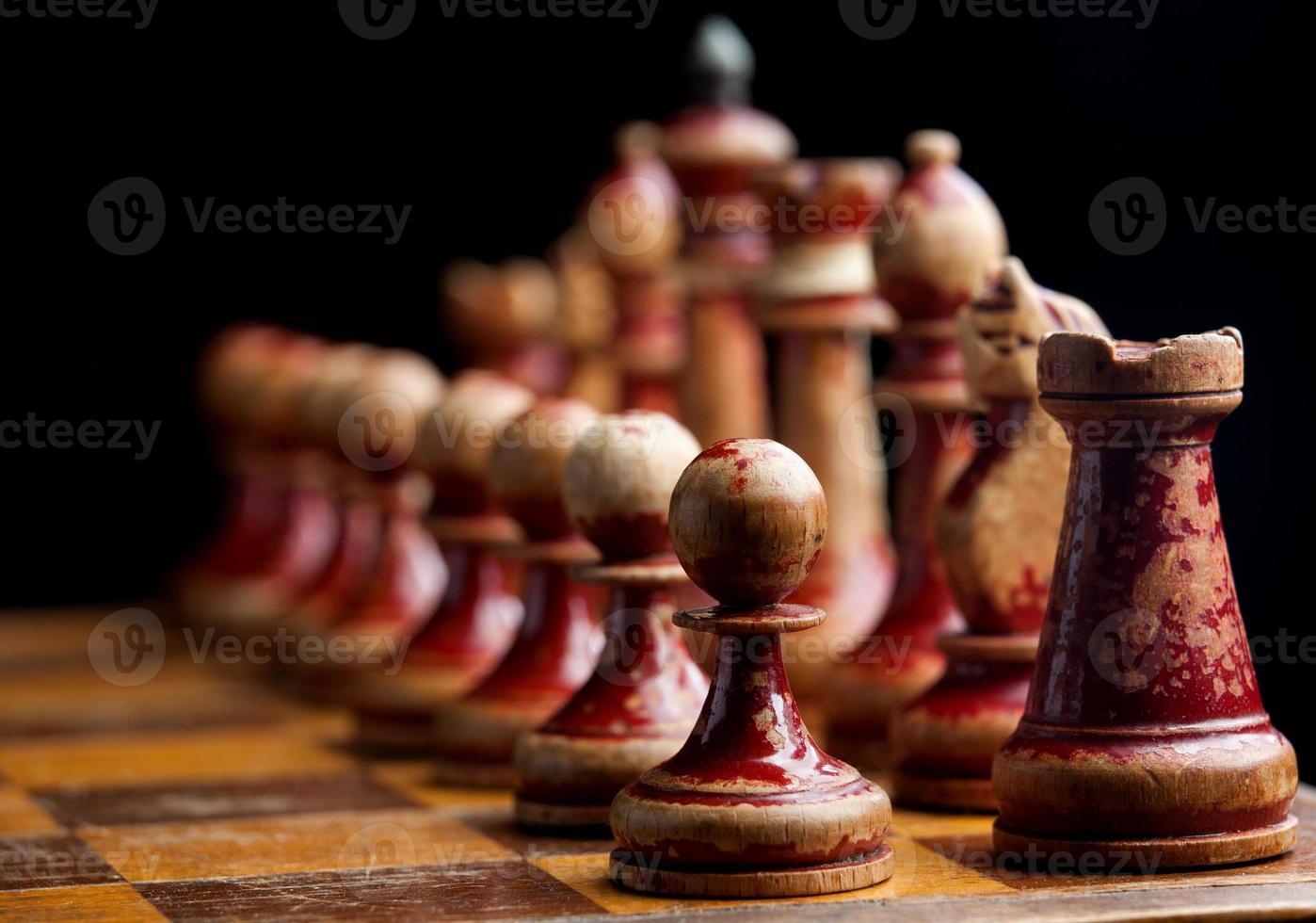 piezas de ajedrez de madera vintage foto