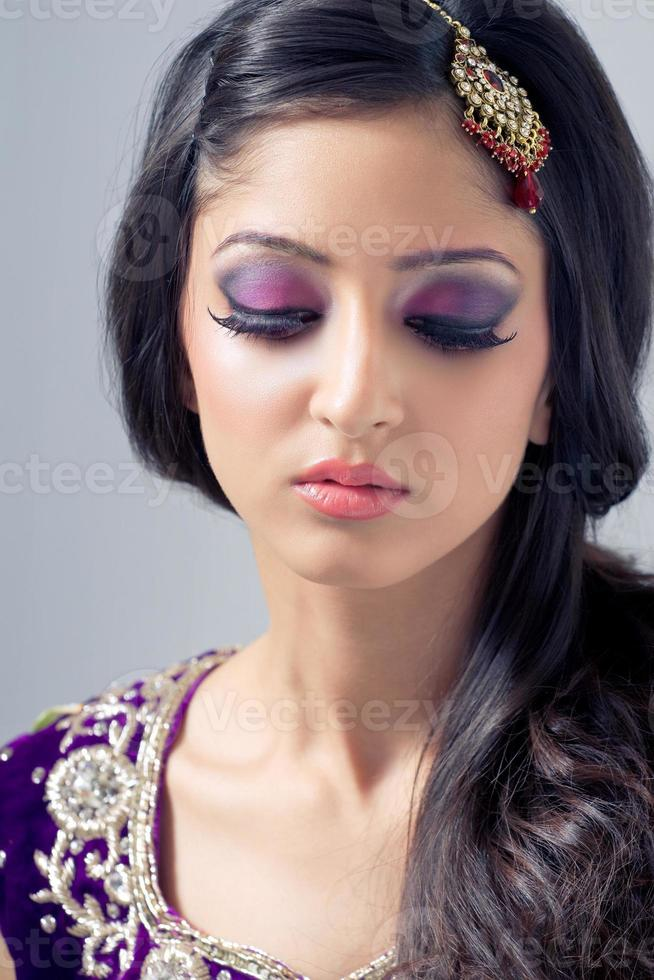 hermosa novia asiática foto