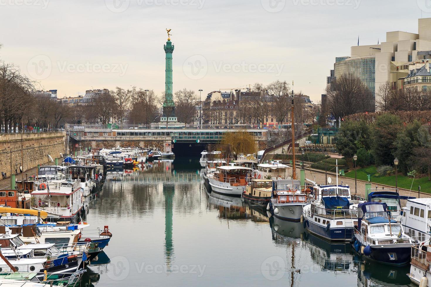 Bastille harbor photo