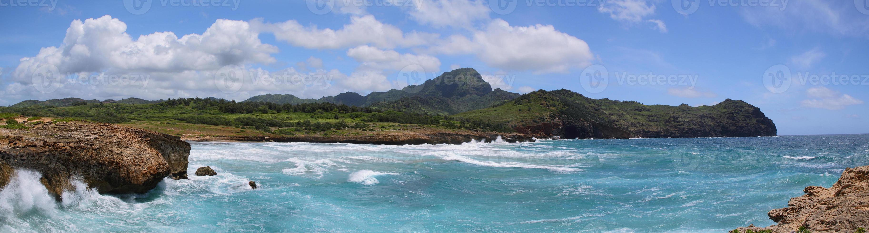 Mahaulepu Trail cerca de Poipu, Kauai foto