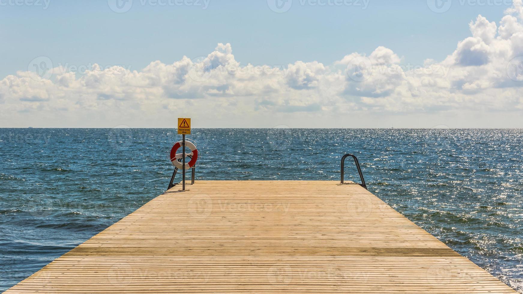 hölzerner Pier foto
