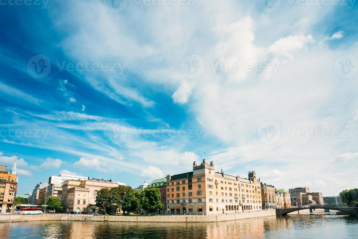Terraplén en Estocolmo en el día de verano, Suecia foto