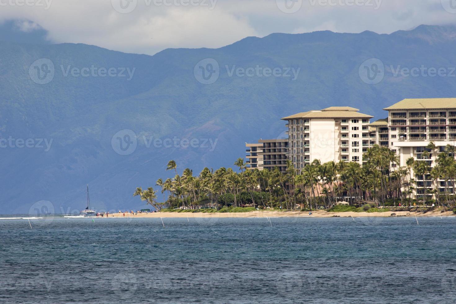 praia de kaanapali, destino turístico de maui havaí foto