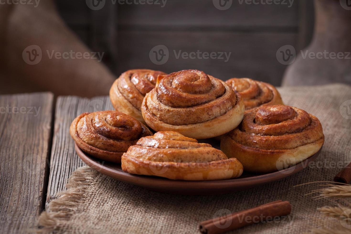 pão de canela doce rola natal caseiro delicioso doce gelado sobremesa foto