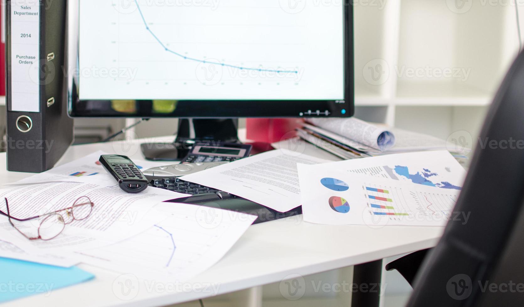 Cluttered desk photo