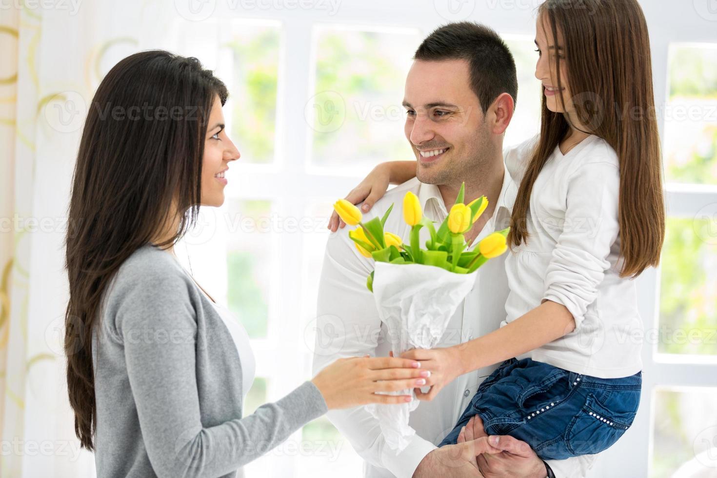 familia feliz el día de la madre foto