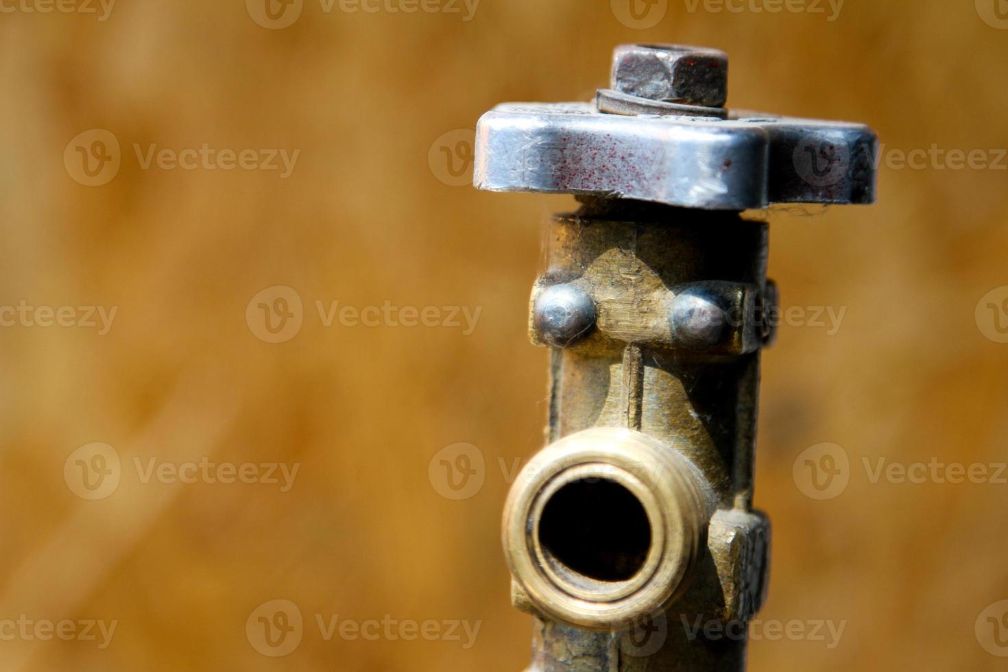 toque el cilindro de gas foto