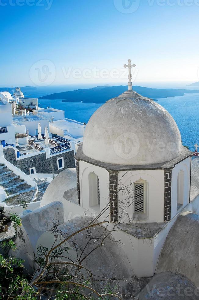 Cúpulas de la iglesia de fira en fira, santorini foto