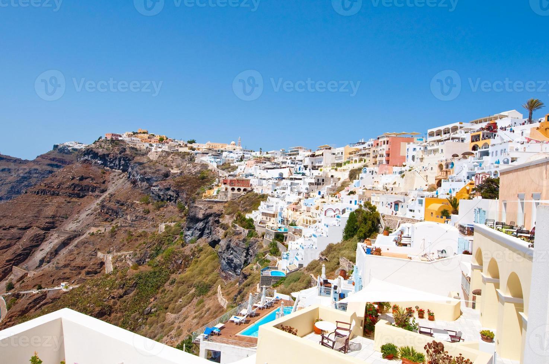 Vista aérea de la ciudad de Fira. Thira (Santorini), Grecia. foto