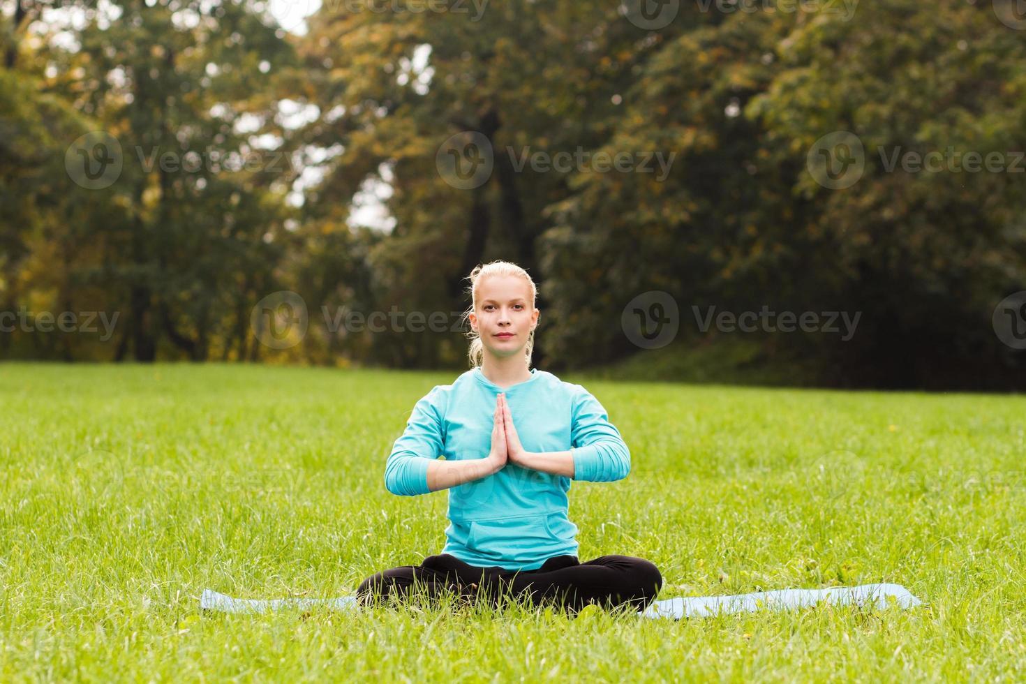 sello de saludo de yoga / anjali mudra foto
