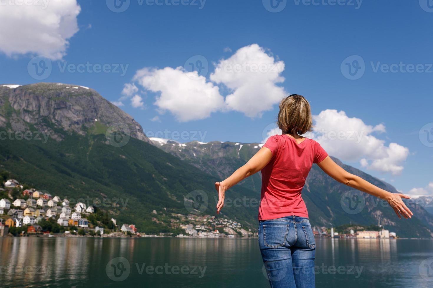 Free happy woman enjoying nature photo