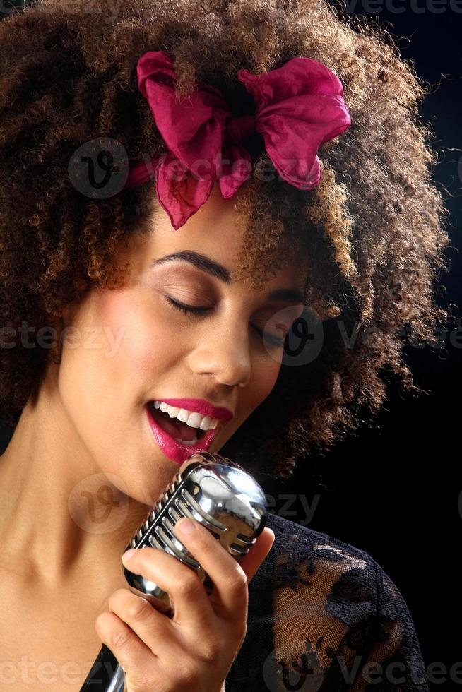 colpo alla testa del musicista jazz foto