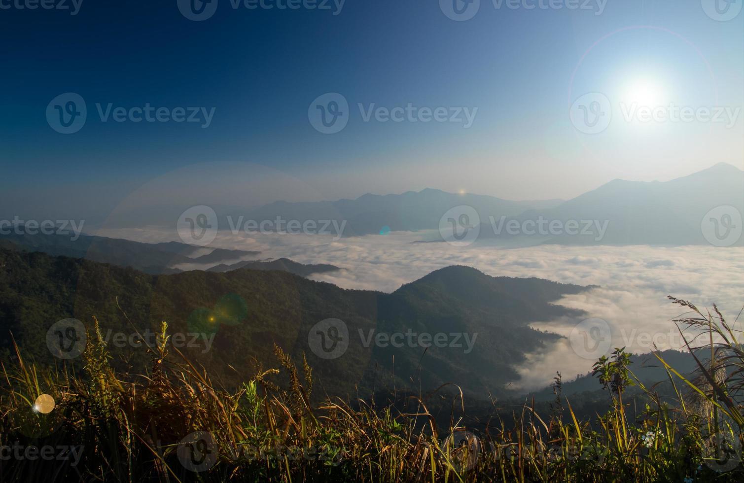 amanecer en la montaña foto