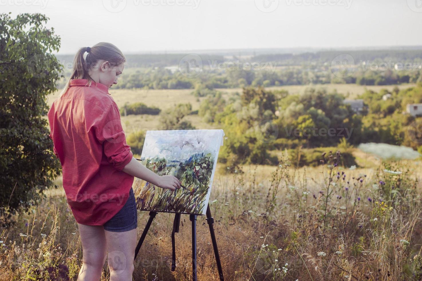 Artist on the plain air photo