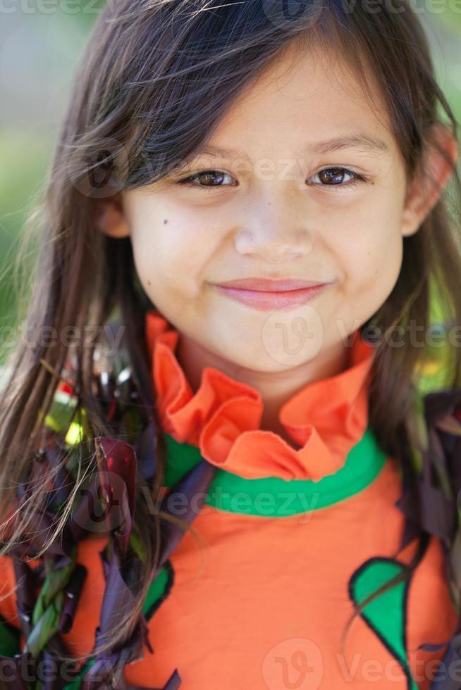 Retrato de niña linda hawaiana foto