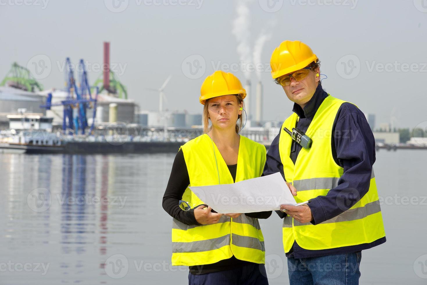trabajadores portuarios foto