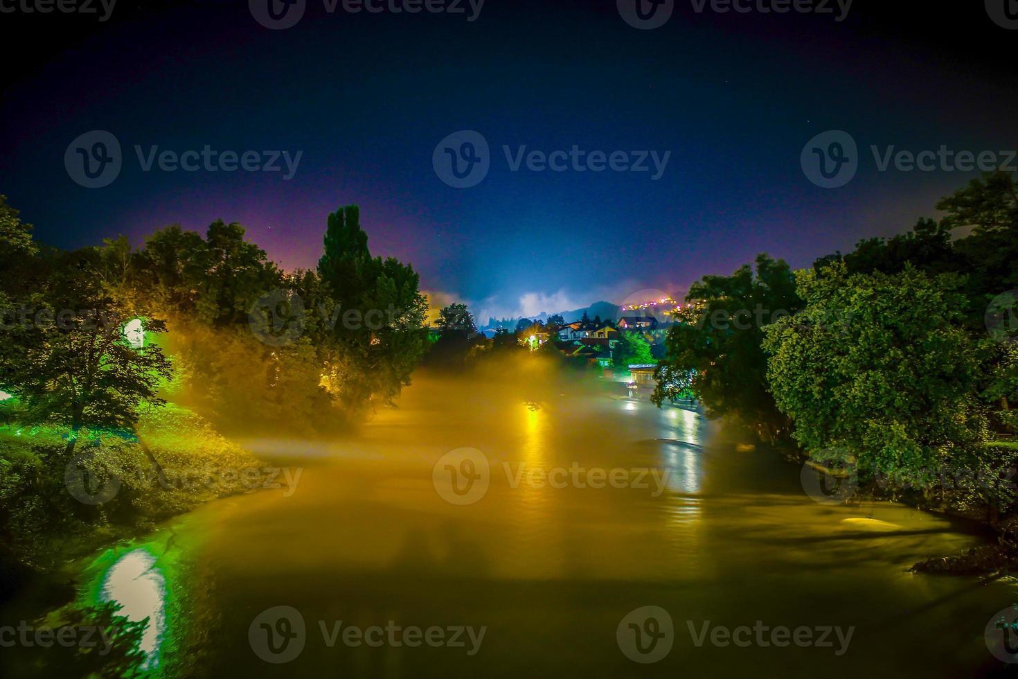 noche de niebla foto